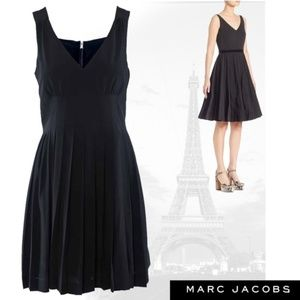 MARC JACOBS CLASSIC SLEEVELESS COCKTAIL DRESS NWT